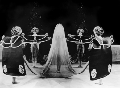 alla nazimova salome-1923-02-g